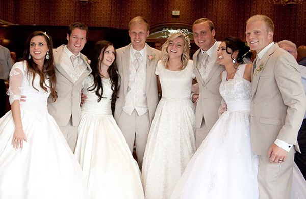 4 Siblings Share Wedding