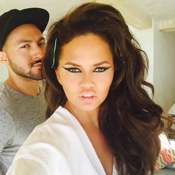 Chrissy Teigen new hair color pic