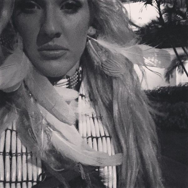 Ellie Goulding headdress