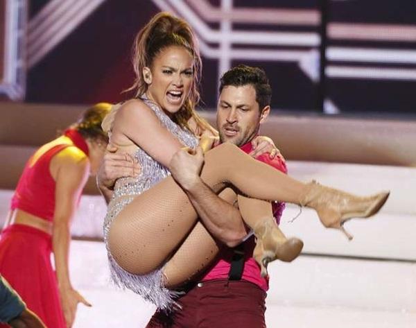 Jennifer Lopez Dating Maksim Chmerkovskiy