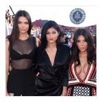 Kardashians Texting: Kim Kardashian And Jenner Sisters Caught Texting During Michael Brown, Ferguson Tribute At VMAs