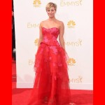 Kaley Cuoco McDonald's: Kaley Enjoys McDonald's Burger Before Emmys